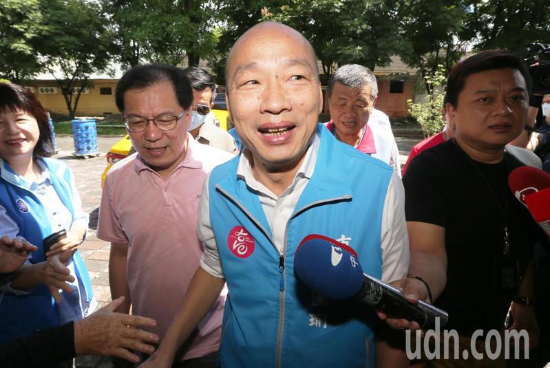 高雄市長韓國瑜上午到旗美地區關心農損,對於罷韓議題不予回應。記者劉學聖/攝影
