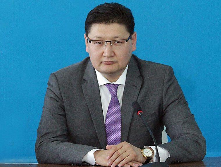 哈薩克總統托卡葉夫的發言人烏里,表示自己新冠病毒檢測呈現陽性,但指出總統健康未面臨風險。 圖片來源/「latyn.qamshy.kz」網站