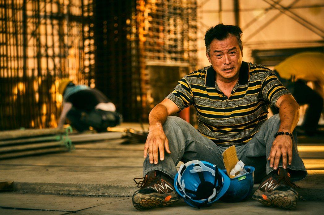 李銘順在「做工的人」演出小人物的悲苦。 圖/大慕影藝提供
