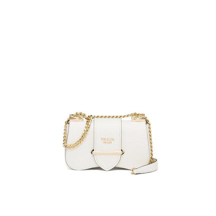Sidonie白色金屬鍊帶肩背包,70,000元。圖/PRADA提供