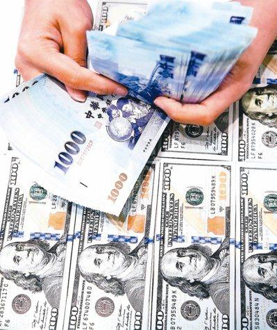 境外資金匯回專法將於今年8月上路滿周年,循專法申請匯回金額在6月正式突破千億元。(本報系資料庫)