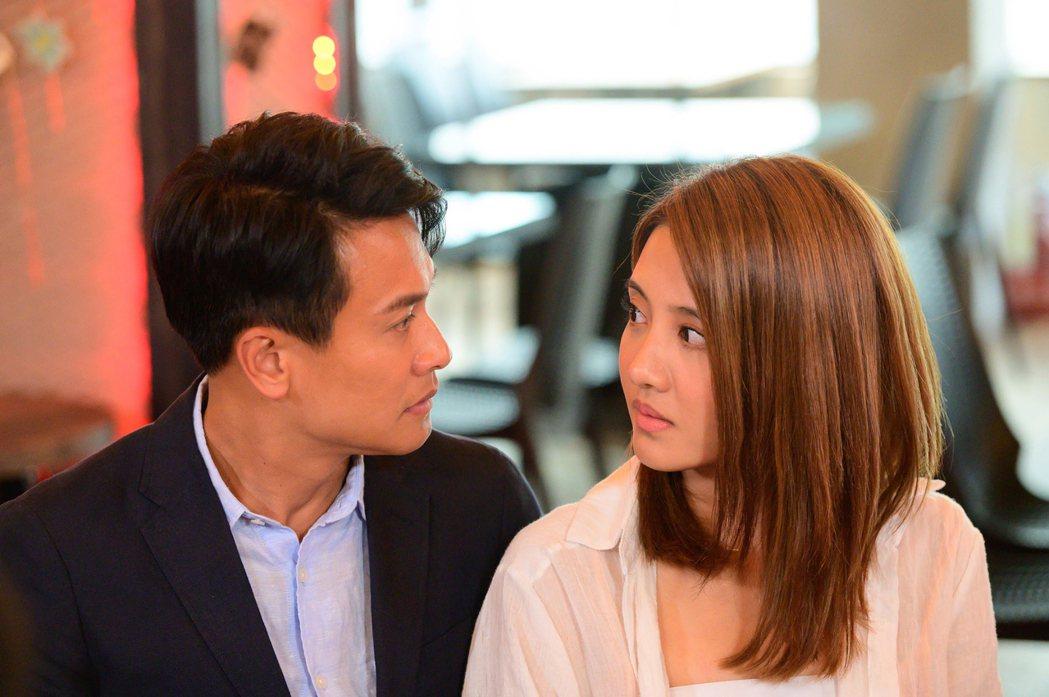王建復(左)、李宣榕在「女力報到最佳拍檔」中開始交往。圖/TVBS提供