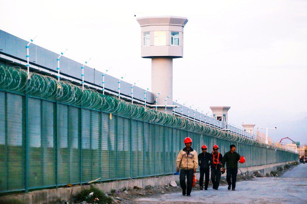 圖為新疆再教育營。 圖/路透社