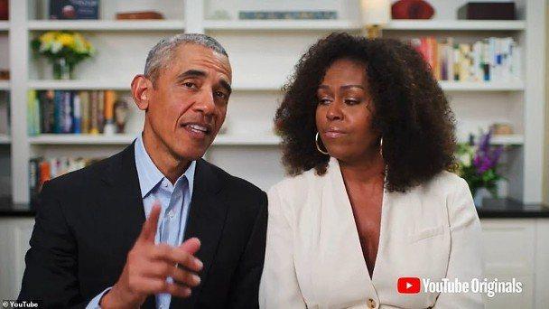 前美國總統歐巴馬夫婦發言祝賀,希望大家一起對抗新冠肺炎。圖/摘自YouTube