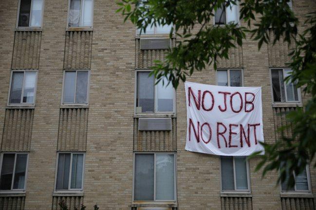 自新冠肺炎開始大流行起來,全美房租最高的兩大城市舊金山和紐約,公寓需求直直落。 ...
