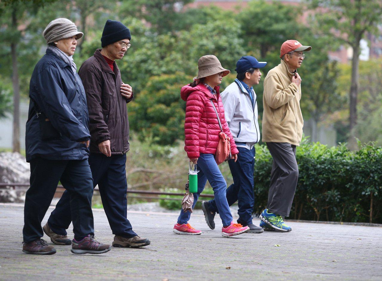 觀光局每年編列350萬元預算,鼓勵旅行社帶銀髮族在國內旅遊。 圖/陳柏亨攝影