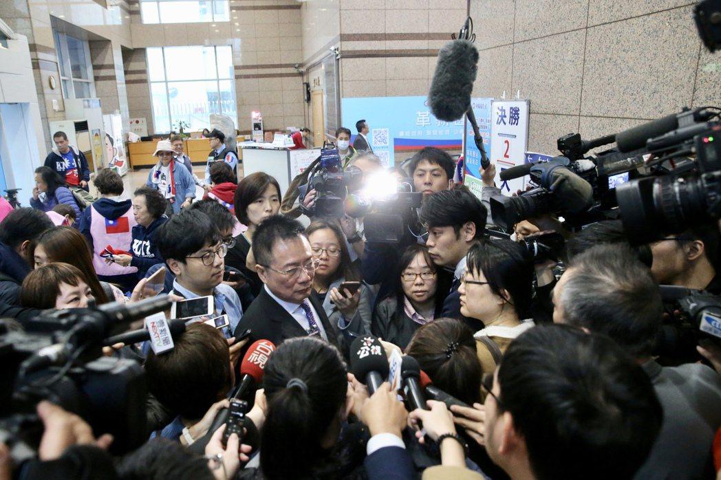 台灣的採訪現場,記者及電視台攝影的數量相當多。 圖/聯合報系資料照