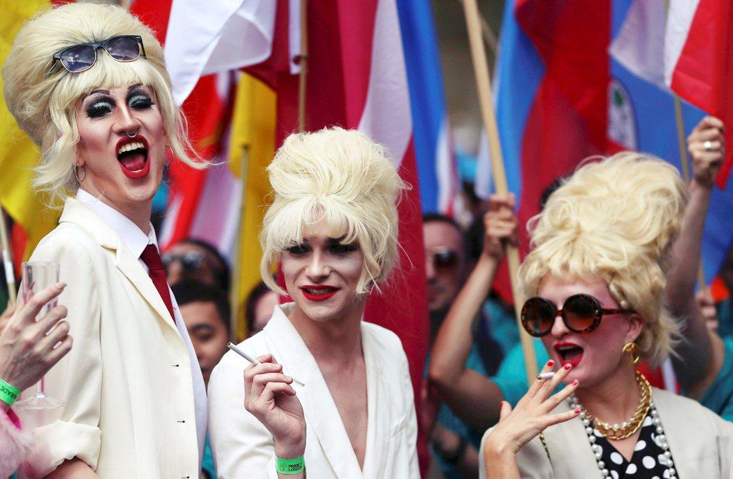 圖為2016倫敦LGBT遊行參與者。 圖/路透社