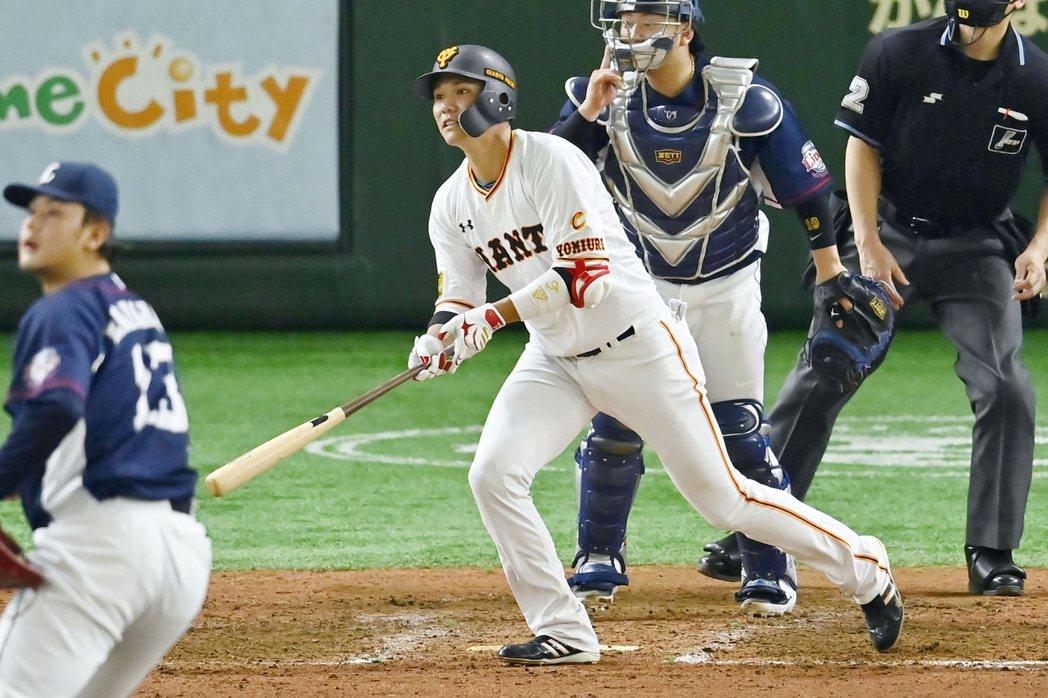 巨人隊隊長坂本勇人日前經傳確診新冠肺炎,為正極力籌備開季的日本球界投下震撼彈。 圖/美聯社