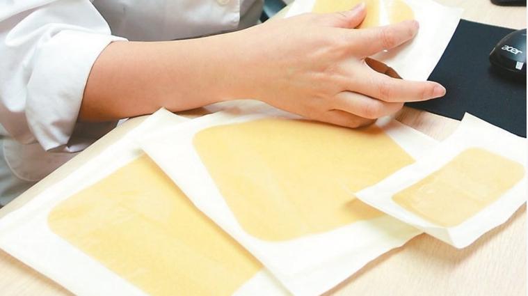 人工皮可幫助維持傷口的溼潤及吸收傷口的分泌物。圖/聯合報系資料照片
