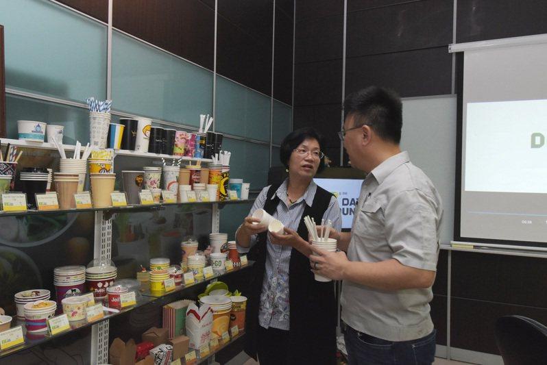 文賀公司製造紙容器,在全球新冠肺炎疫情中,暫時外銷轉內銷。記者簡慧珍/攝影