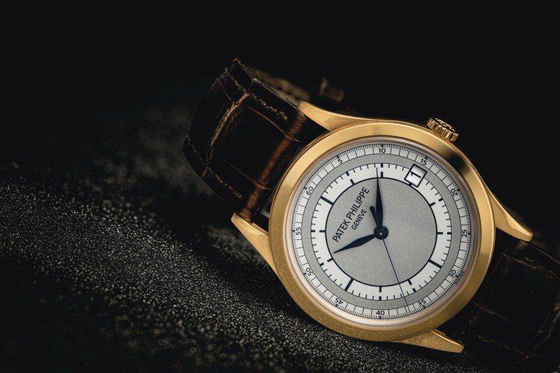 暱稱「軌道面」的百達翡麗Calatrava型號5296腕表在拍賣會上偶爾會出現,例如這枚玫瑰金款就是7月13日香港佳士得鐘表拍賣將推出的作品。圖/取自佳士得官網