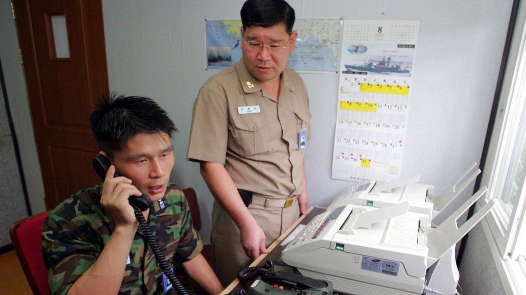 自9日上午起,南韓打給北韓的電話都無北韓人員接聽。路透