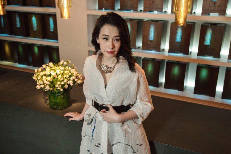 陳妍嵐擅長詮釋低調奢華的貴氣。圖/夏姿提供