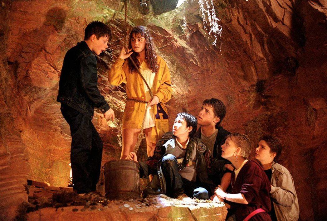 「七寶奇謀」是1980年代最受歡迎的娛樂名片之一。圖/摘自imdb