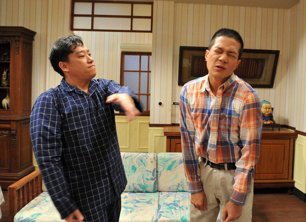 阿龐(左)劇中怒打薛仕淩。圖/台視提供