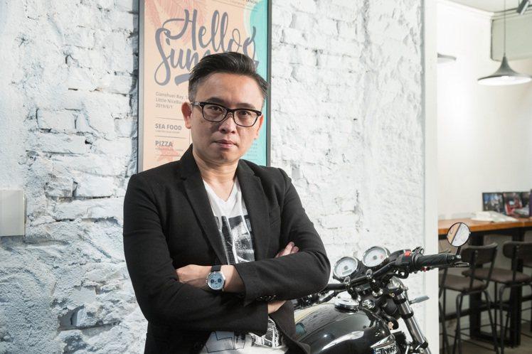 「龍哥的不專業玩表channel」創辦人李岳龍。記者陳立凱/攝影