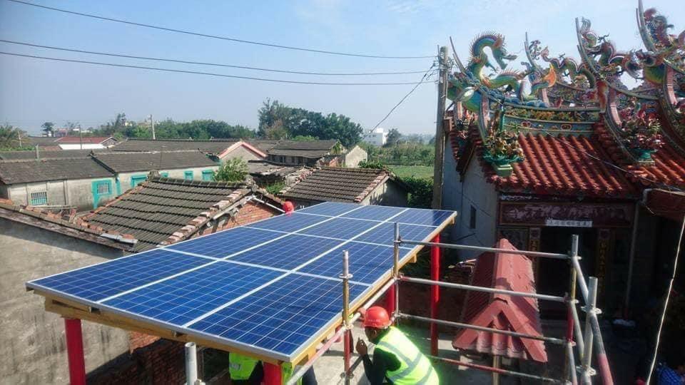 顯榮宮是全台第一座完全靠太陽光電提供電力的廟宇。 圖 / 太陽光電產業協會提供