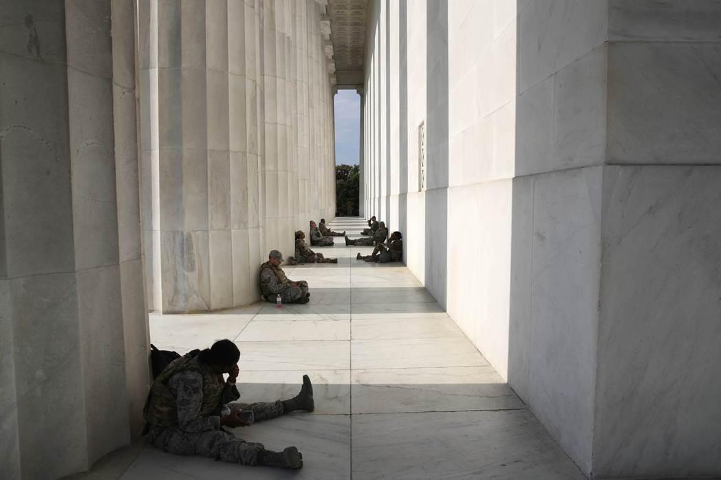 美國國民警衛局9證實,5月31日至6月7日間,「華府特區國民兵」在撤離華府的動員...