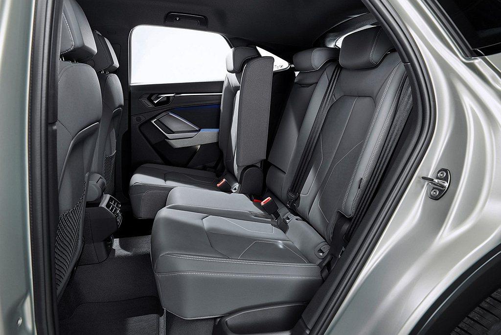 優異的2,677mm軸距設定,使後座乘坐空間及頭部空間皆比上一代提升,且後排座椅...
