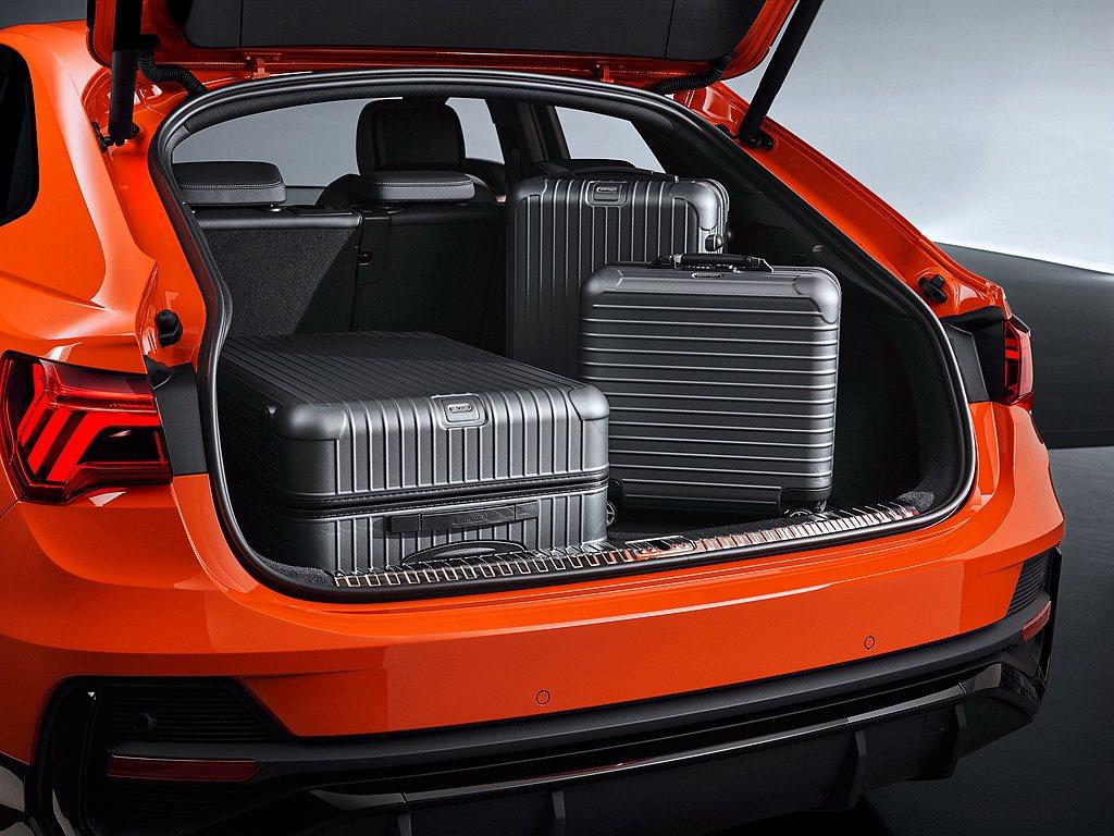 行李箱容積較上一代也增加了70L,基本乘坐模式下即可提供530L的置物空間,最大...