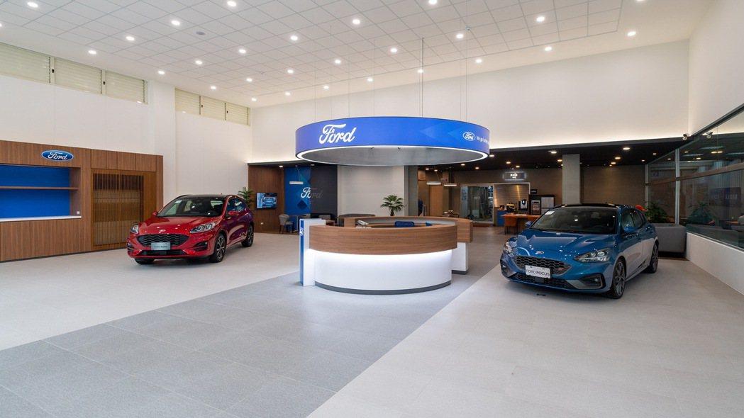 Ford全新車輛展示區域更為寬敞,使消費者擁有更開闊的參觀視野。 圖/福特六和提...