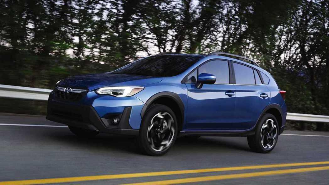 新年式Subaru Crosstrek增加了2.5升更大動力的引擎選擇。 摘自S...