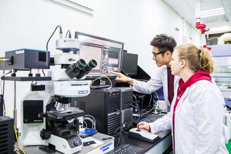 英國高等教育資訊機構QS今天公布最新2021年世界大學排名結果,國立台北科技大學首度進入世界500大,為全球第488名,全國排名第11。圖/北科大提供