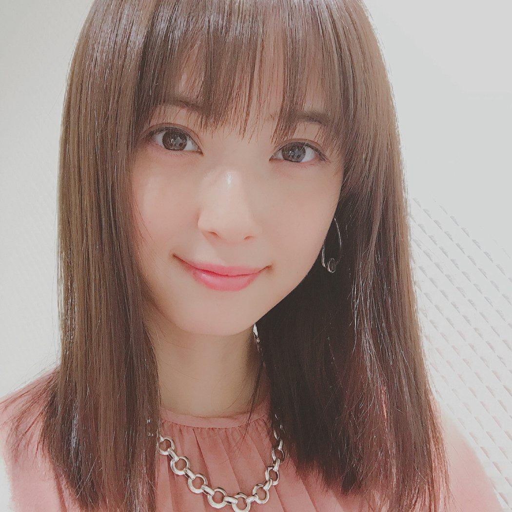 佐佐木希被網友奉為「日本第一素顏美女」。圖/摘自IG