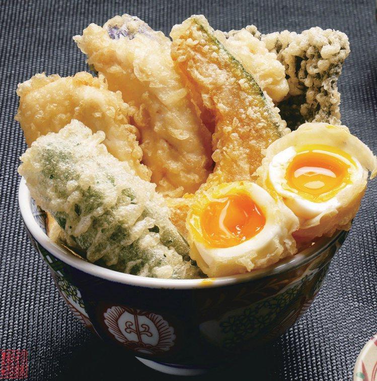 台北統一時代6/26博多山海雞肉天婦羅丼買一送一。圖/統一時代提供