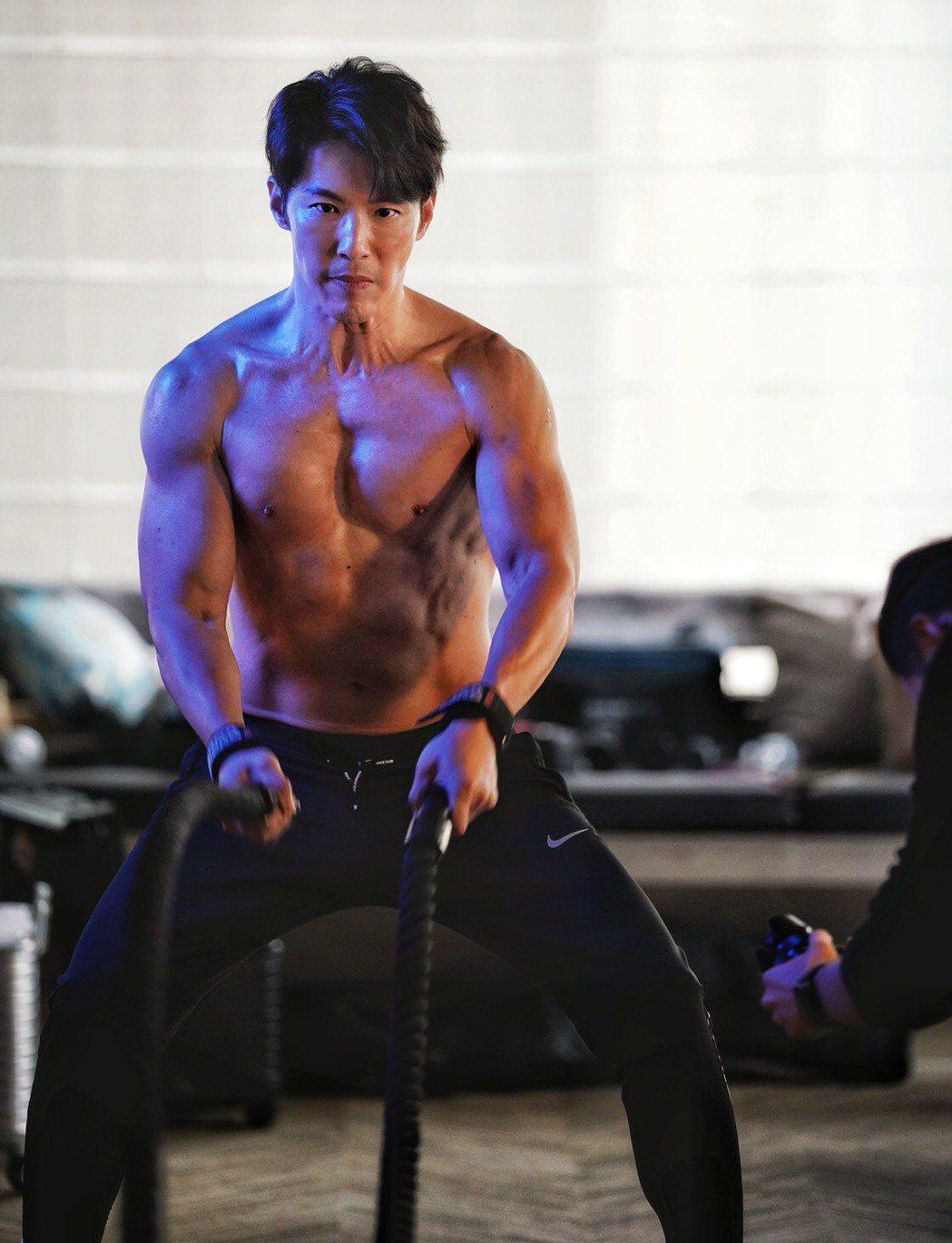 黃少祺健身有成,公開肌肉照。圖/華人創作提供