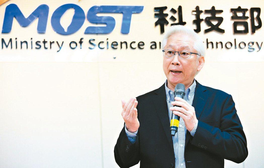 科技部長吳政忠昨天表示,台積電有高階人力需求,未來半導體產業發展也需要各類人才,...