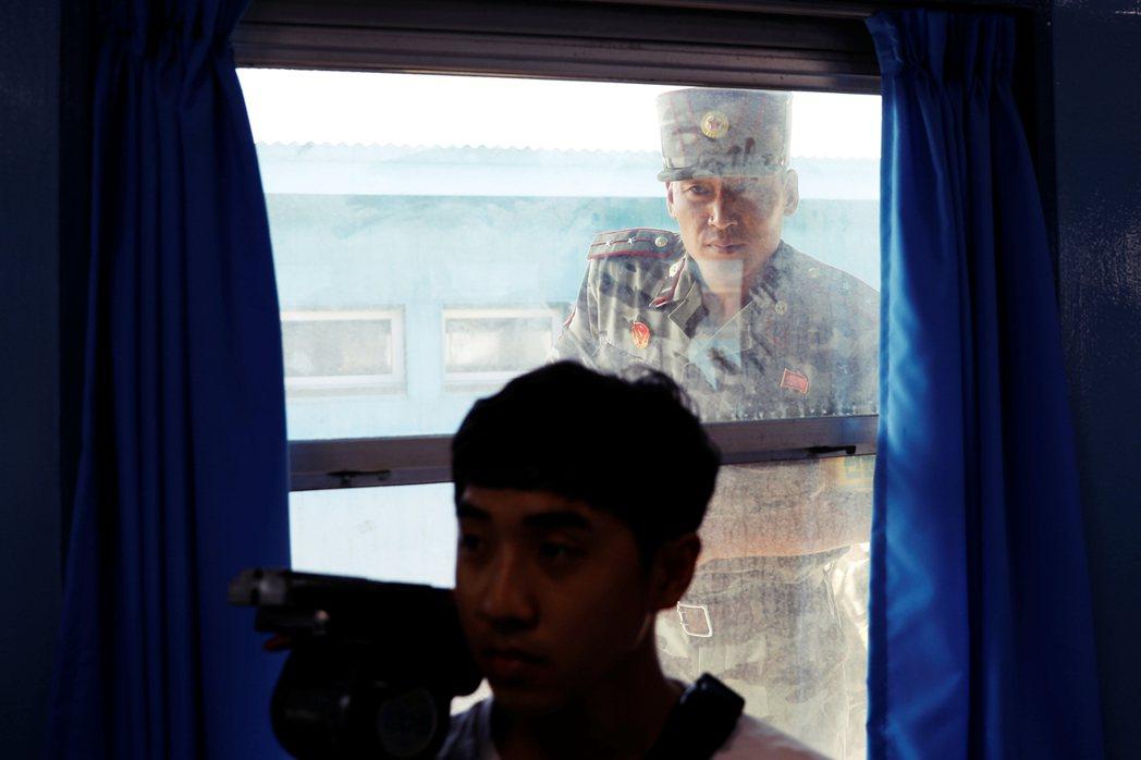 空飄傳單運動已行之有年,過去幾年,進步派政府毫無行動,等到北韓「震怒」才向民間團...