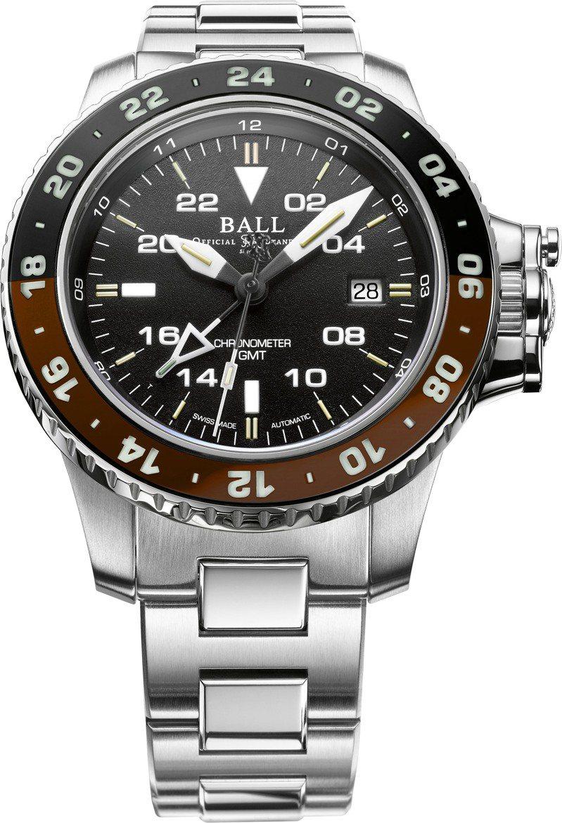 在黑紅、黑藍、紅藍、黑綠之後,Ball推出第五款咖啡黑的雙色表圈兩地時間腕表,同樣具備瑞士天文台認證與GMT兩地時間功能,99,800元。圖 / 波爾表提供。