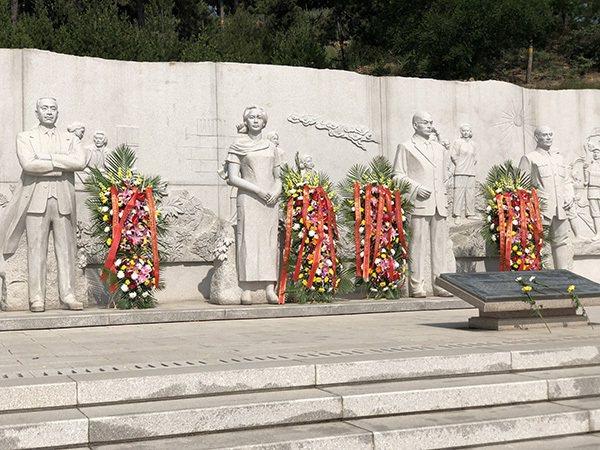 豎立在北京西山無名英雄紀念廣場上的吳石等四人雕像。(取自《澎湃新聞》)