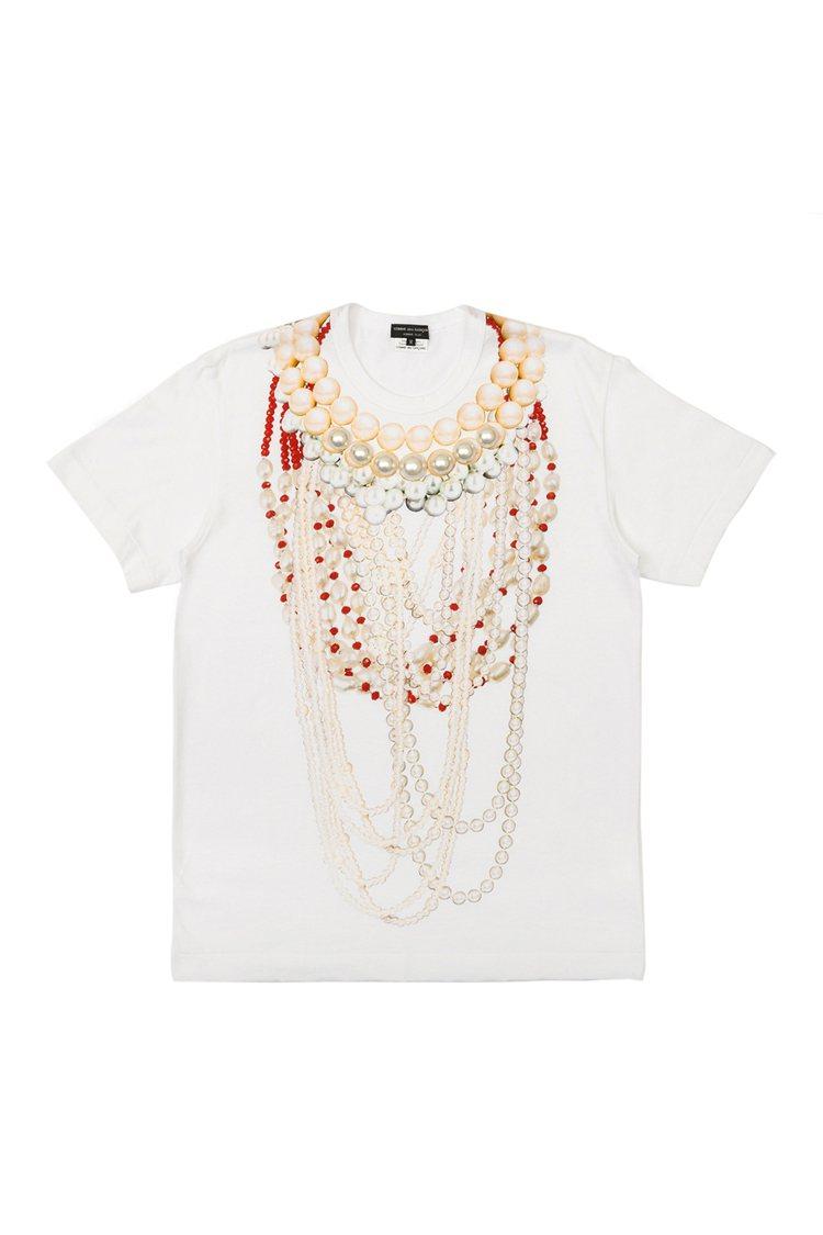 CDG HOMME PLUS拼貼粉彩色珠寶印刷T恤,17,800元。圖/團團選品...