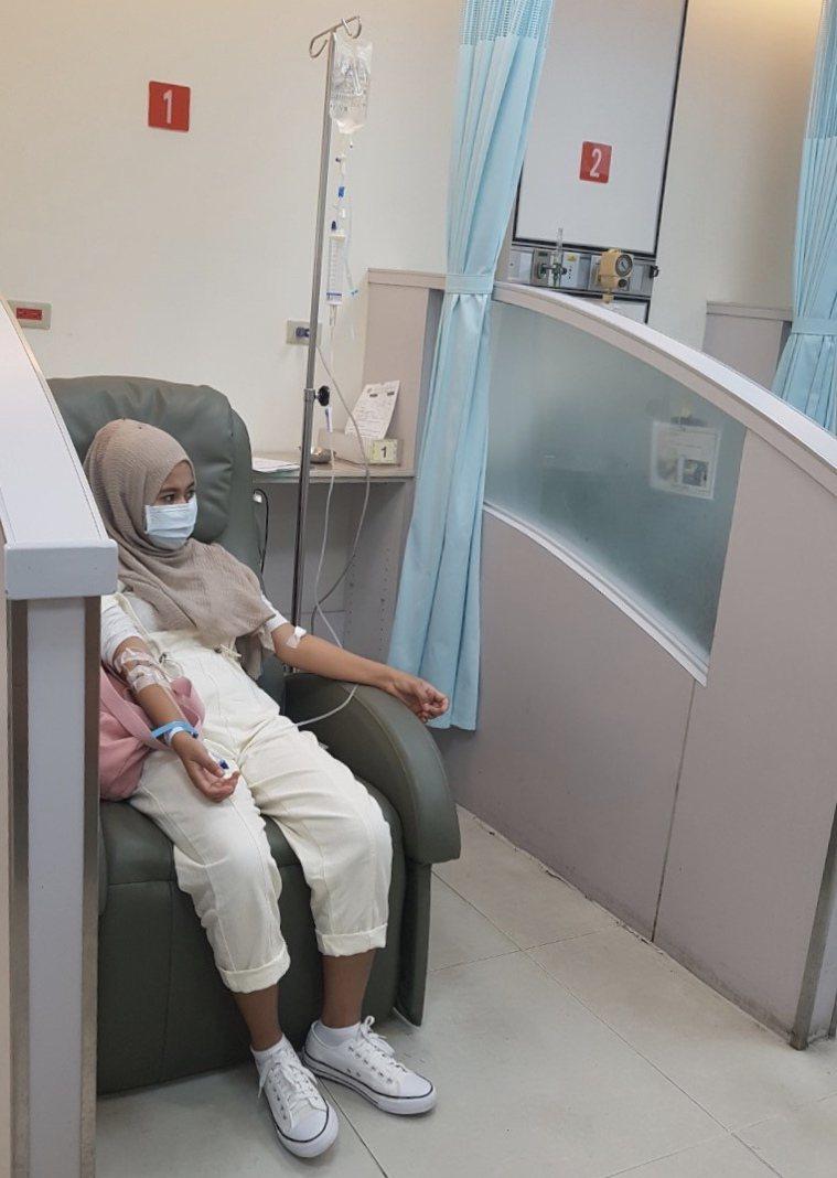 莉娜從二月開始已規則輸血超過三個月了。記者楊雅棠/攝影