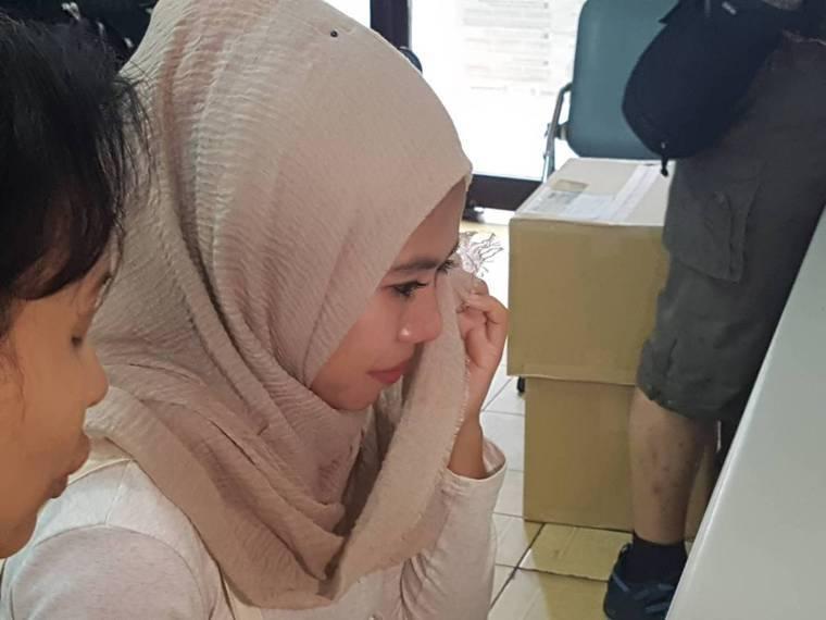 年僅23歲的莉娜說,很心疼媽媽,也擔心妹妹。記者楊雅棠/攝影