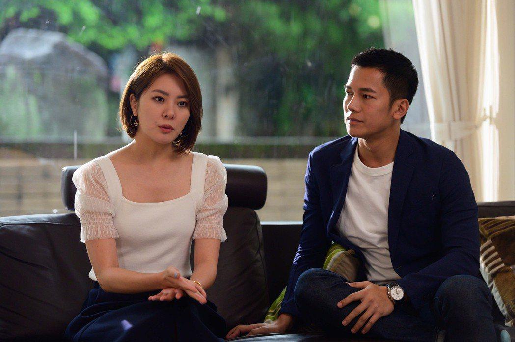 楊雅筑(左)、梁瀚名在「女力報到最佳拍檔」中組CP受到戲迷喜愛。圖/TVBS提供