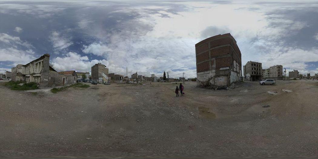 「我的敘利亞鄰居」是台灣少見的VR紀錄片,有如親臨當地。圖/台北電影節提供