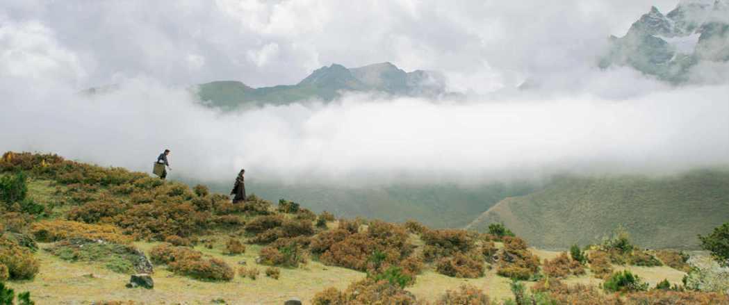 「不丹是教室」在海拔5000多公尺、素有「世界最高學府」之稱的「魯納納國小」拍攝...
