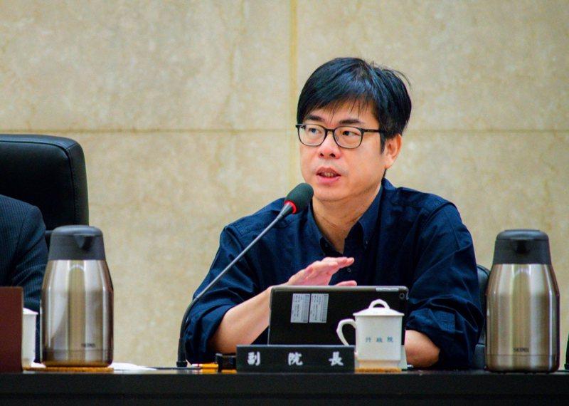 高雄市長補選在即,行政院副院長陳其邁預計下周三之前請辭參選,昨天是他最後一次以副閣揆身分出席行政院會。圖/行政院提供