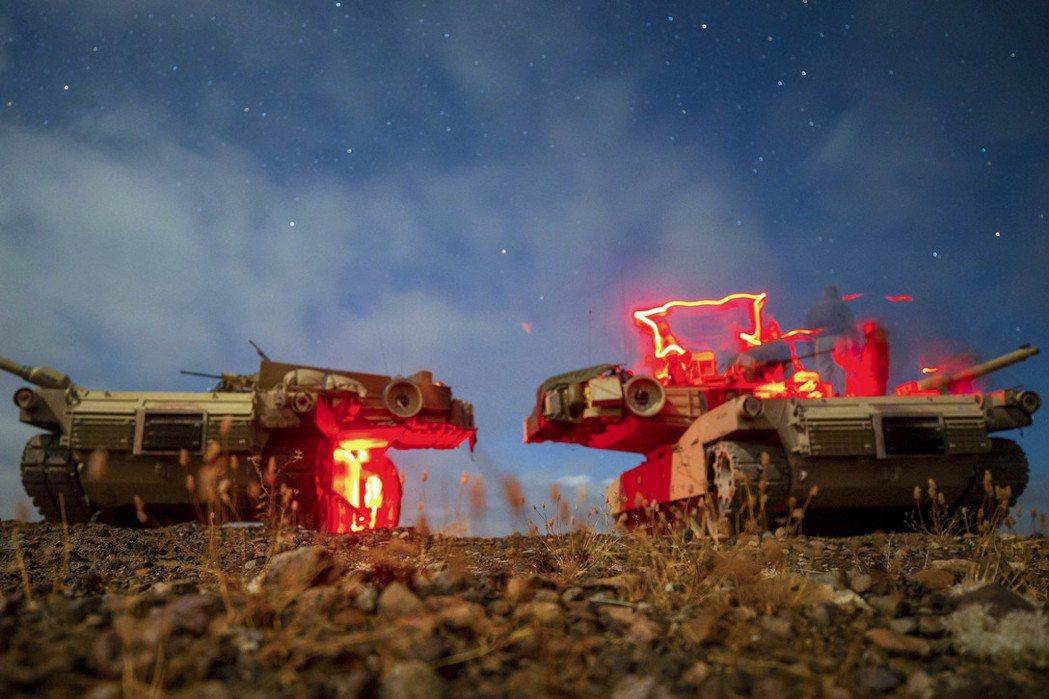 與其說主戰車失去戰場優勢,倒不如說是原先的作需想定和裝備設計,被迫用在不適合的地方。 圖/美國陸軍