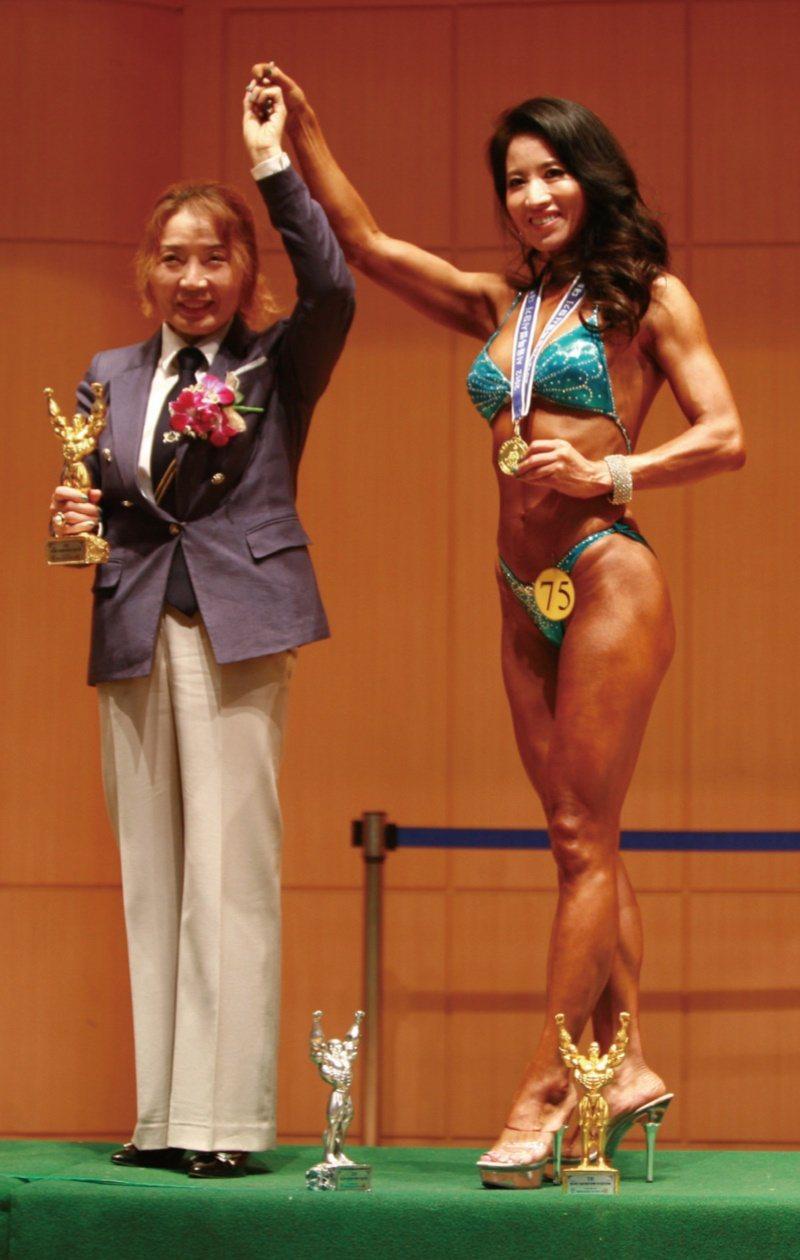 2012年,首爾市長盃健美大賽中,李弦峨獲得冠軍。 圖/瑞麗美人提供