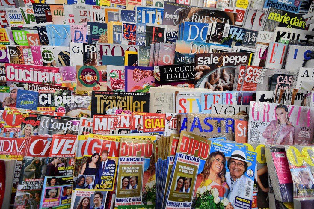 大量產製八卦報導的媒體,也可能同時有捍衛多元價值的新聞,但這是能「功過相抵」的嗎? 圖/法新社