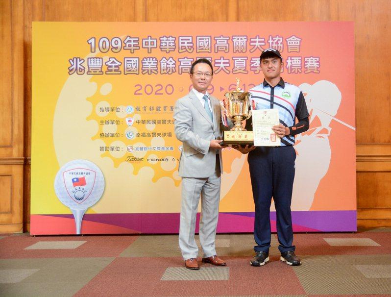 男A組冠軍蘇晉弘。 中華高協提供