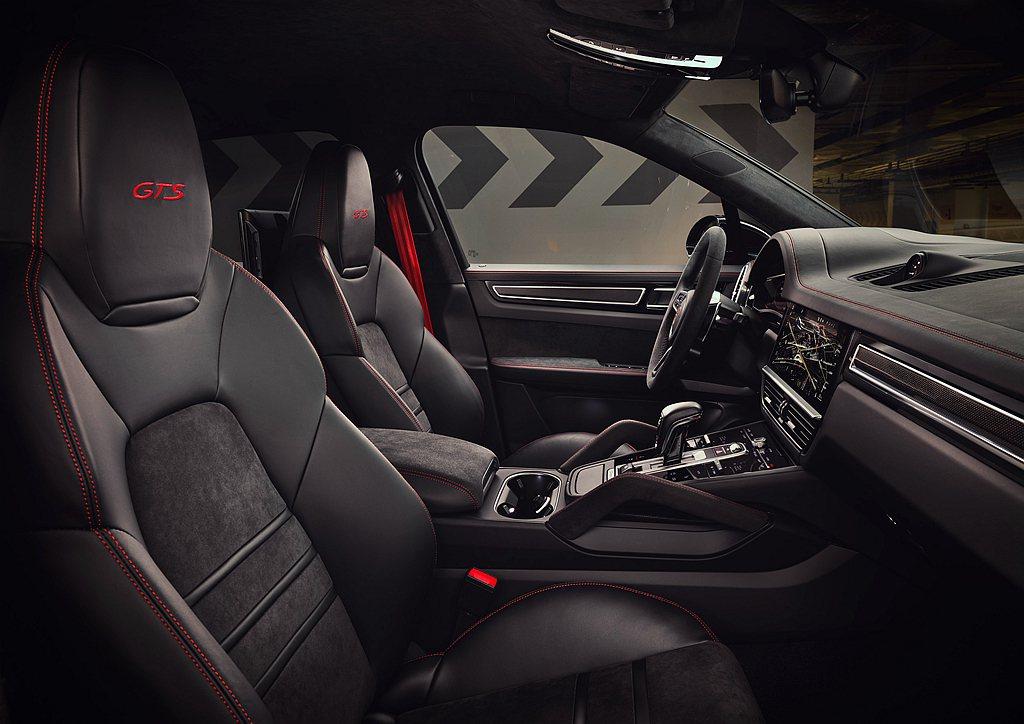 保時捷Cayenne GTS與Cayenne GTS Coupe車內頂篷、座椅中...