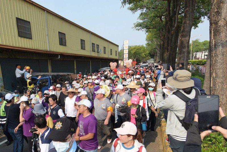 大甲媽今天上午進入彰化縣,明天將進入北斗區鄉鎮,警方規畫交通管制路線。記者簡慧珍/攝影