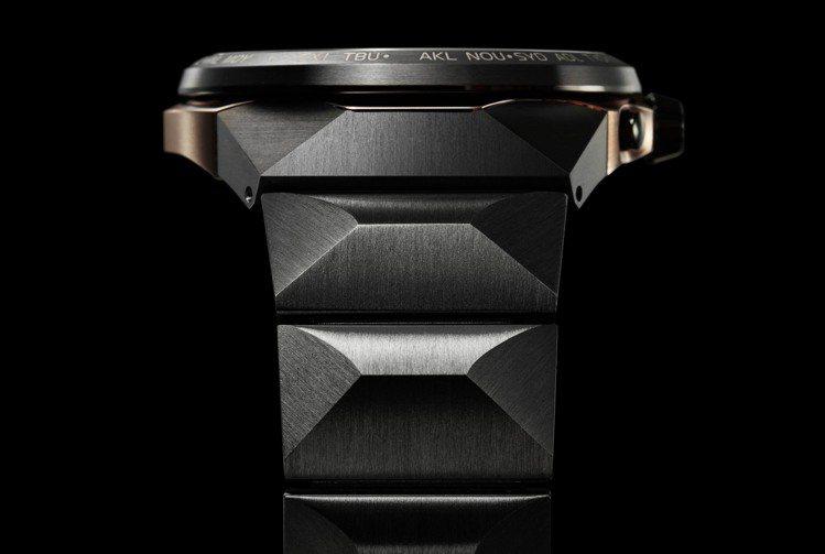 全新的表鍊結構也是超級鈦旗艦款CC4025-82E腕表的特色之一。圖/Citiz...