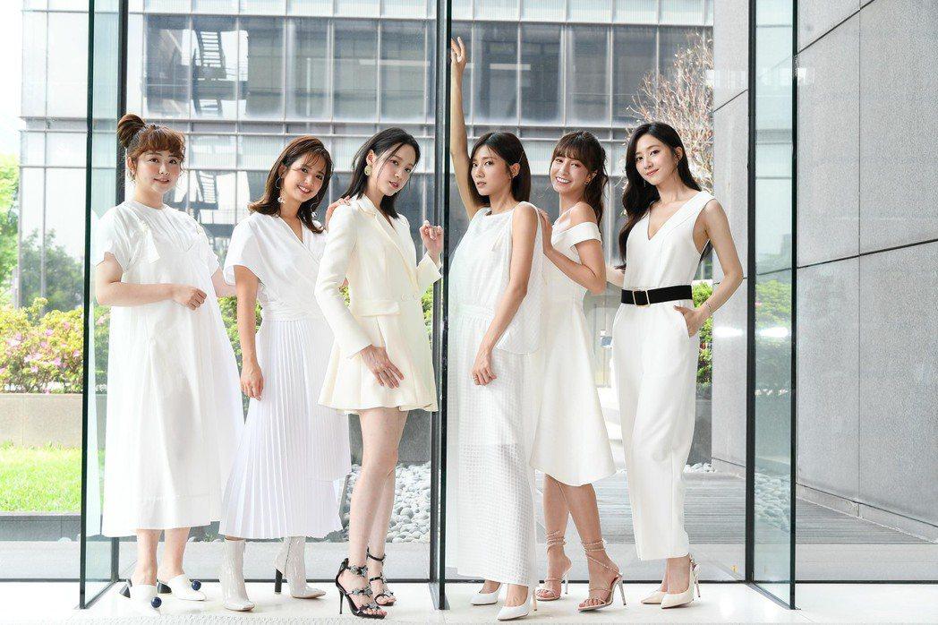 喬雅琳(左起)臧芮軒、程予希、蔡黃汝、陳敬宣漢謝翔雅一起演出三立新戲「我的青春沒...